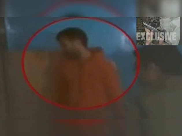 जम्मू-कश्मीर के किश्तवाड़ में आतंकी गिरफ्तार, पिस्टल व ग्रेनेड समेत कई हथियार बरामद