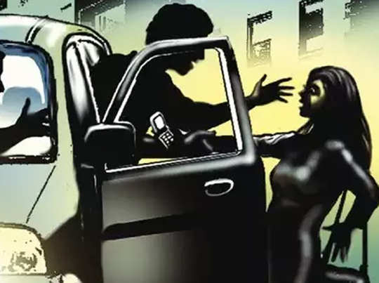 19 years old gangraped in moving car
