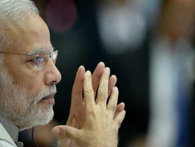 पराली जलना जारी, राज्यों को मॉनिटरिंग टीम बढ़ाने के निर्देशः PMO