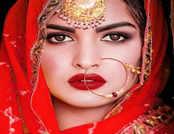 देखें बर्थडे गर्ल Himanshi Khurana की हॉट ऐंड बोल्ड तस्वीरें