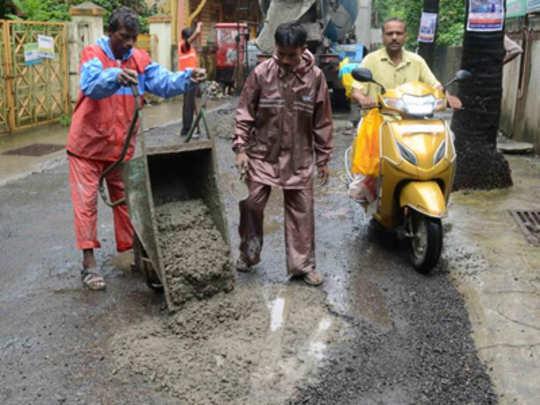 कल्याण-डोंबिवलीतील रस्त्यांवर २५ हजारांचा एक 'खड्डा'!