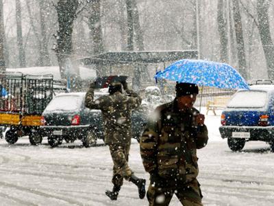 हिमपातः दिल्ली से श्रीनगर जाने वाली 11 उड़ानें रद्द