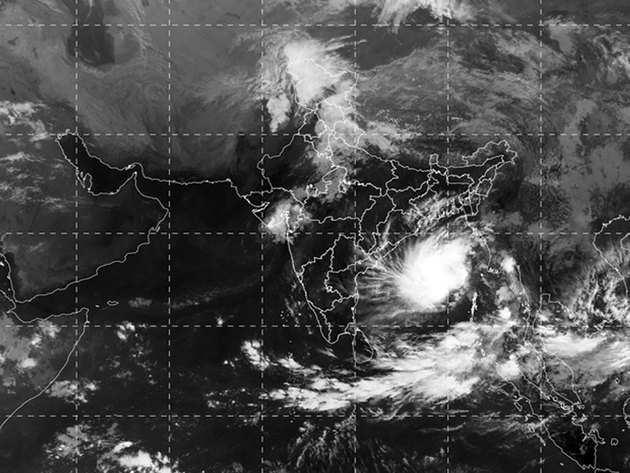 ओडिशा और पश्चिम बंगाल की तरफ बढ़ रहा है 'बुलबुल' चक्रवात
