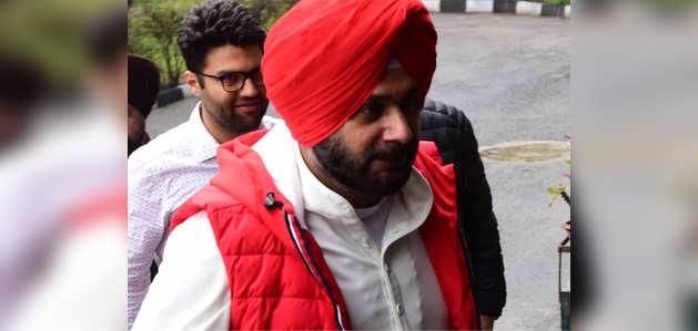 करतारपुर समारोह: नवजोत सिंह सिद्धू को पाकिस्तान जाने की मिली मंजूरी