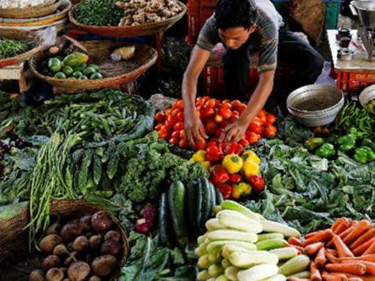 भाज्यांच्या दरामध्ये दुपटीने वाढ; कोथिंबीर २०० रु. जुडी !