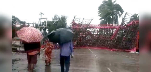 चक्रवात बुलबुल: ओडिशा के भद्रक में बारिश और तेज़ हवाओं ने मचाई तबाही
