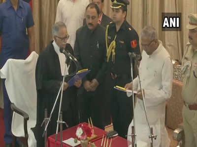 बिहार के राज्यपाल ने संजय करोल को मुख्य न्यायाधीश पद की शपथ दिलाई