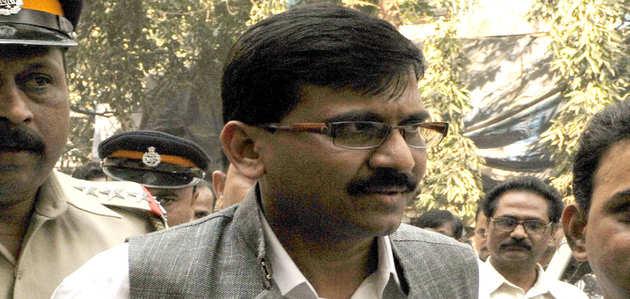मुंबई: शिवसेना नेता संजय राउत को सीने में दर्द की शिकायत, अस्पताल में भर्ती