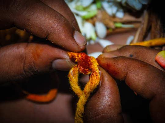 திருமண மண்டபத்திலேயே காதலை சொல்லிய நம்ம ரியல் ஹீரோ
