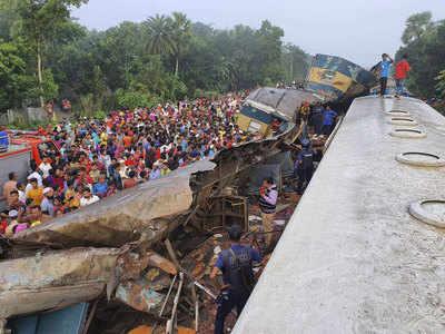 हादसे के बाद घटनास्थल पर मौजूद भीड़