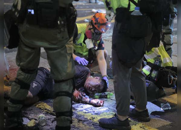 प्रदर्शनकारियों के साथ हिंसा, उग्र हुआ आंदोलन