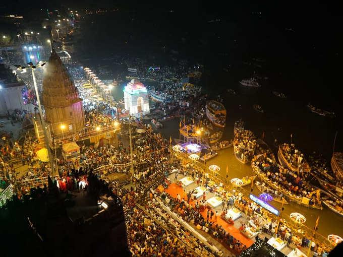 वाराणसी में रही देव दीपावली की धूम