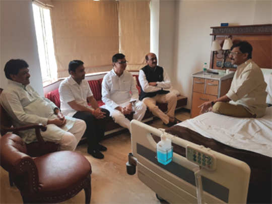 Sanjay Raut and Congress leaders