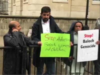 लंदन में कई बार कर चुके हैं बलोच कार्यकर्ता प्रदर्शन