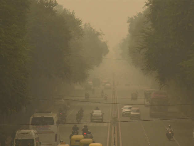दिल्ली में सांस लेना हुआ दूभर