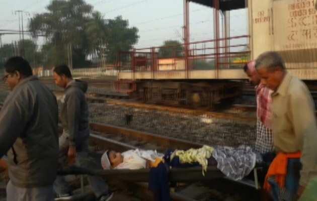 ओडिशा के जाजपुर रेलवे स्टेशन पर महिला ने समय से पहले 3 बच्चों को दिया जन्म