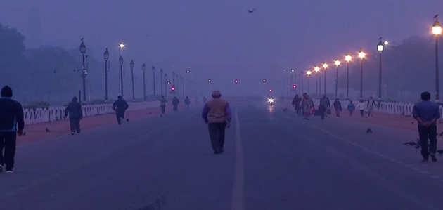 दिल्ली में प्रदूषण का स्तर बरक़रार, हवा की गुणवत्ता 'खतरनाक'