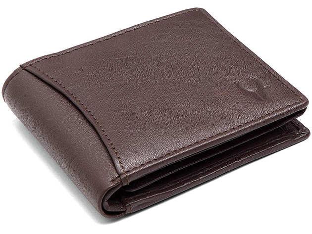 ये बेस्ट क्वालिटी Mens Leather Wallet अमेज़ॉन पर बेहतरीन डिस्काउंट ऑफर्स में मिल रहे हैं