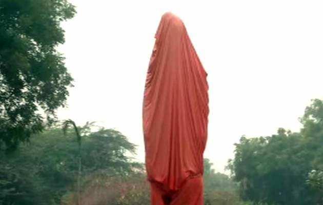 विवेकानंद की प्रतिमा के साथ तोड़फोड़: JNU प्रशासन ने दर्ज करवाया केस