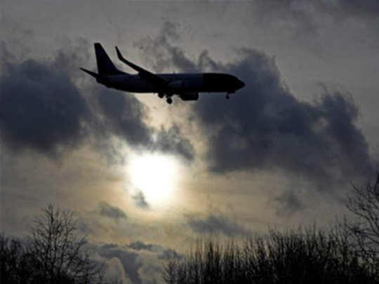 भारतीय विमान संकटात; पाकने केली मदत