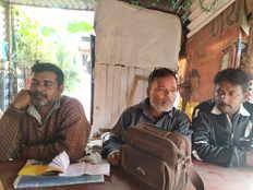 राम मंदिर के नाम पर मांग रहे थे चंदा, हिंदू युवा वाहिनी ने तीन को पुलिस के हवाले किया