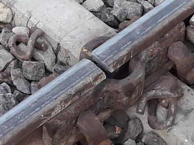 सीतापुर में टूटी पटरी