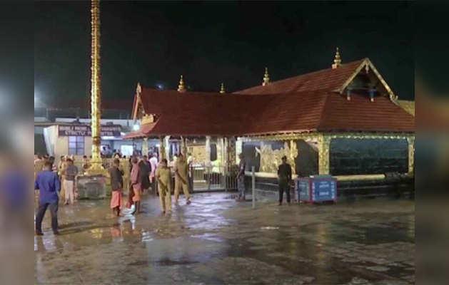 सबरीमाला मंदिर में मंडला पूजा के लिए उमड़ी श्रद्धालुओं की भीड़