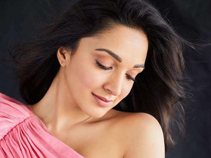 लेटेस्ट फोटोशूट में गजब सेक्सी दिख रहीं हैं Kiara Advani