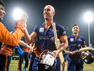तूफानी पारी खेलने के बाद पविलियन लौटते लिन।