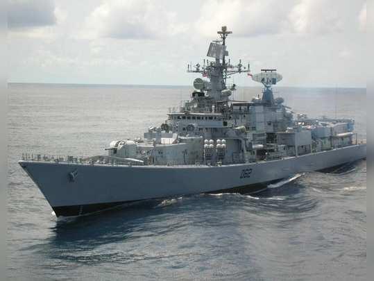 आघाडीच्या युद्धनौका दुरुस्तीच्या प्रतीक्षेत