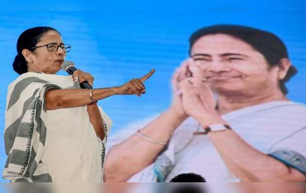 पश्चिम बंगाल: ममता बनर्जी-गवर्नर के बीच तनाव जारी