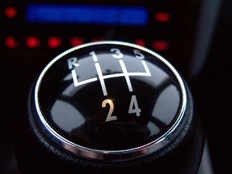 things you should not you while you driving manual gearbox cars