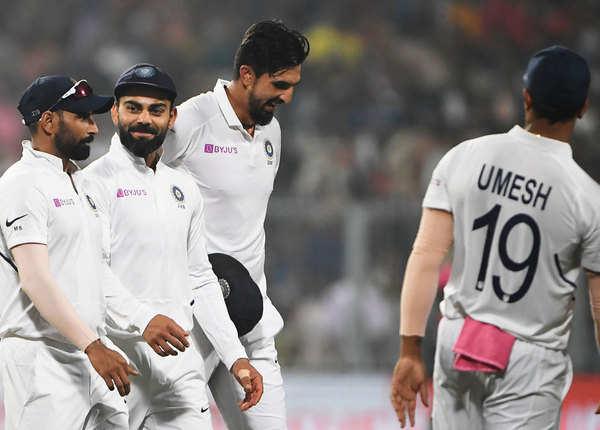 घरेलू टेस्ट में भारतीय पेसरों के सर्वाधिक विकेट