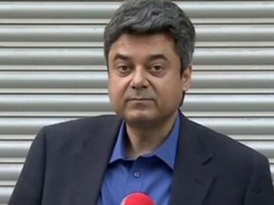 बाजवा के सेवा विस्तार पर रोक, कानून मंत्री फारोग पर गिरी गाज,देना पड़ा इस्तीफा