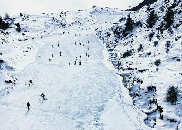 ऑली में लें स्कीइंग का मजा