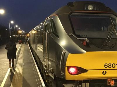 UK: रेल कर्मचारियों ने शुरू की 27 दिन की हड़ताल, यात्री परेशान
