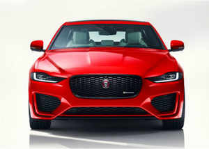 new jaguar xe sedan facelift car launched in india price starts at rs 44 98 lakh