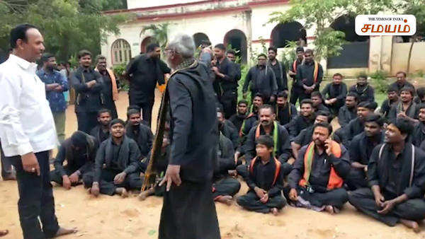 ayyappa devotees protest against school administration in telengana video