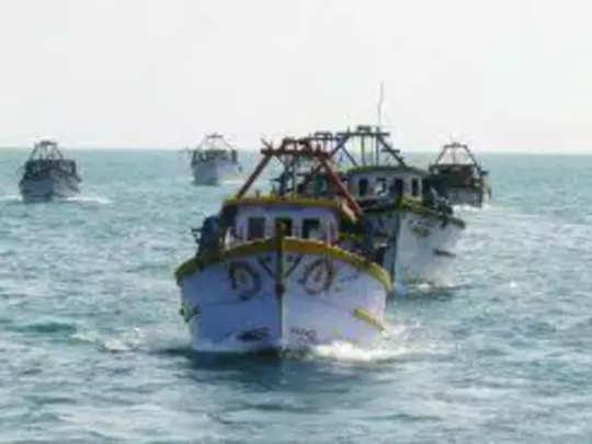 समुद्री चाच्यांकडून १८ भारतीयांचे अपहरण