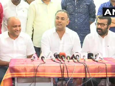 कांग्रेस में वापस आए वसंत कुमार (बाएं)