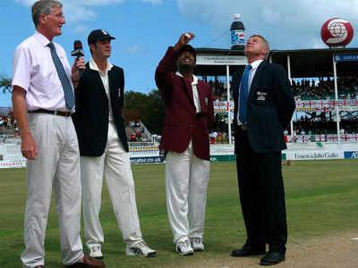 लारा ने नाबाद 400 रन इंग्लैंड के खिलाफ बनाए थे।