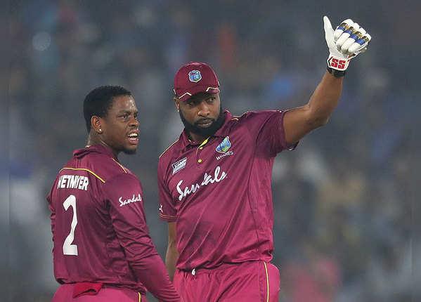 वेस्ट इंडीज ने बनाए 207 रन
