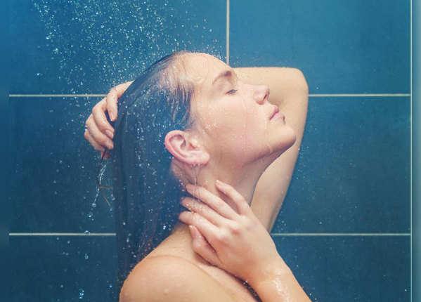 सर्दियों में देर तक गरम पानी में नहाना क्या सही है?
