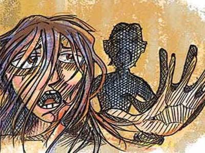 गैंगरेप के बाद जिंदा जला दी गई युवती