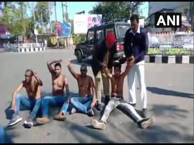 असम में विधेयक के विरोध में प्रदर्शनकारियों ने कपड़े उतार दिए