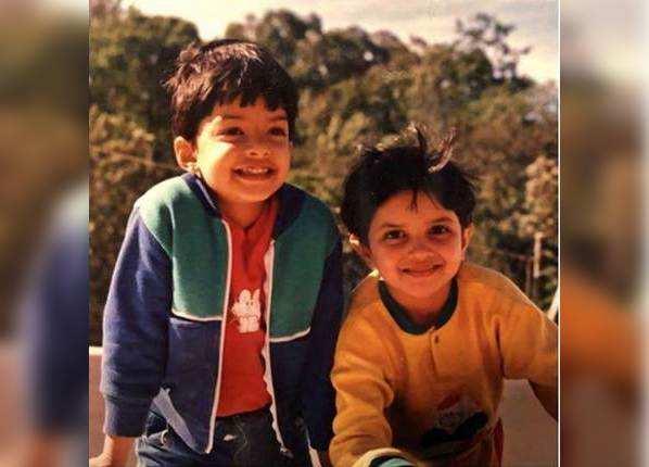 बचपन की दोस्त के साथ दीपिका