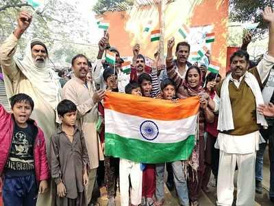 पाकिस्तान से आए भारतीय शरणार्थी बहुत खुश हैं
