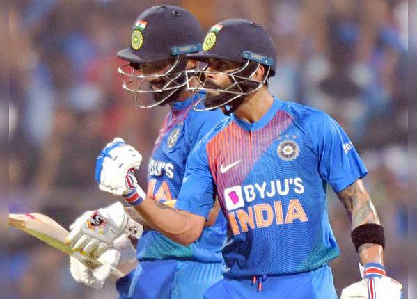तीसरे टी20 में भारत के 16 छक्के, 19 चौके