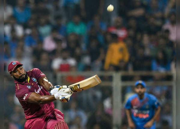 सीरीज में विंडीज टीम ने लगाए ज्यादा सिक्स
