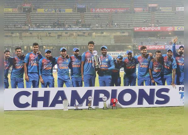 चौकों के मामले में भारतीय बल्लेबाज अव्वल